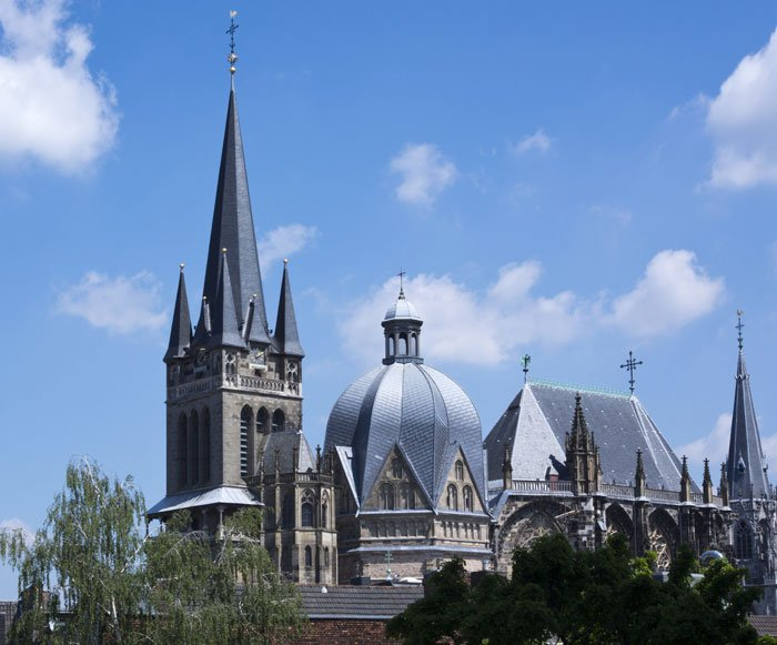 Aachener Dom (c) picturealliance_chromorange